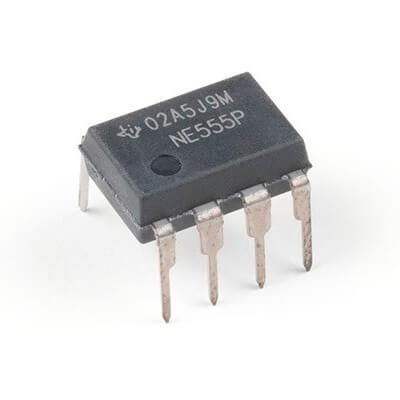 mikroskhema 555 v plastikovom korpus - Мікросхема таймер 555 фото